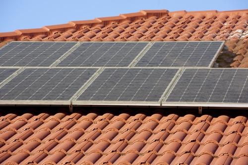 Zijn jouw zonnepanelen toe aan een schoonmaakbeurt?